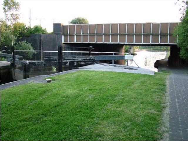 Brittania Bridge Lock 21