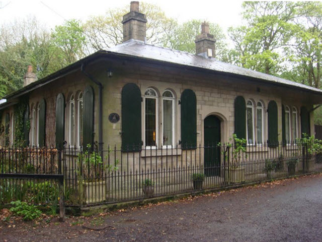 Lodge to Haigh Hall